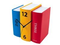 klok in de vorm van boeken